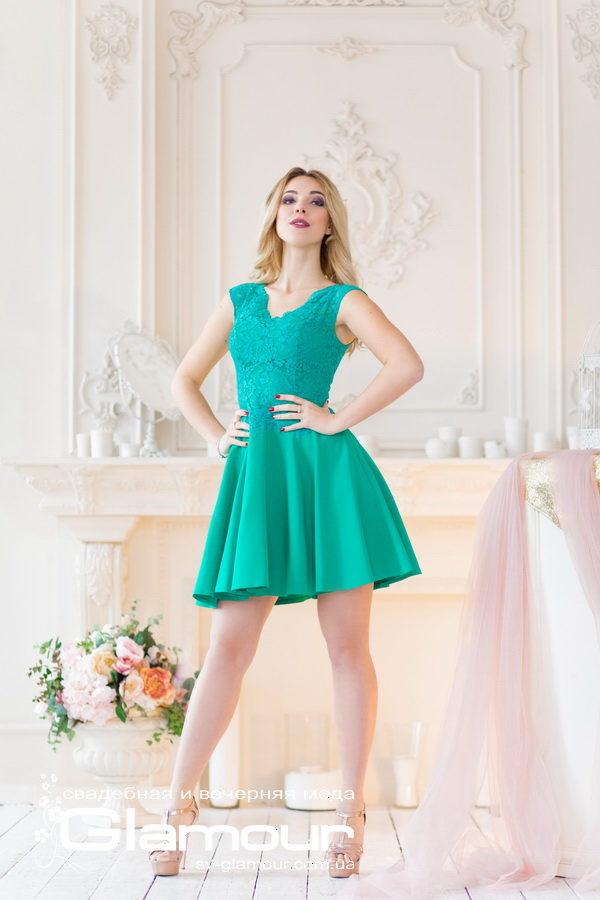 Вечернее короткое платье на выпускной бал. Зеленое платье.