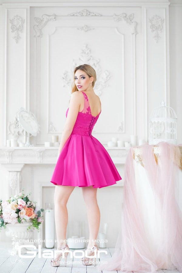 Коктейльное малиновое платье. Коктейльное платье яркого розового цвета.