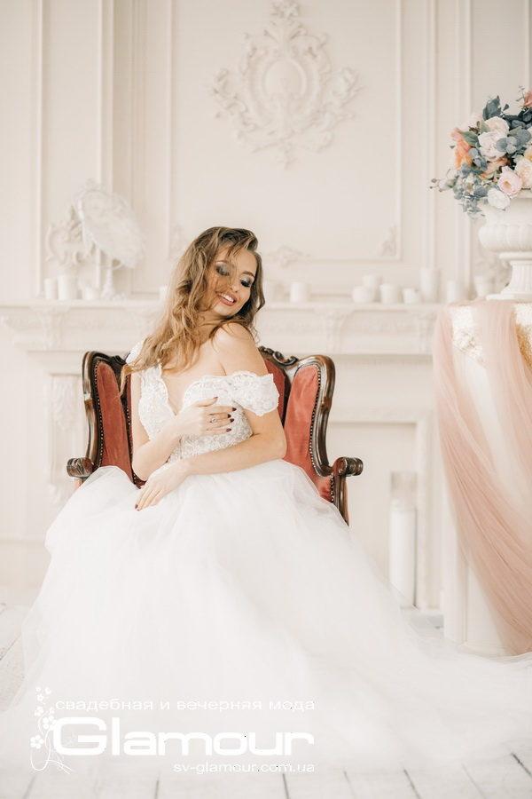Очаровательное модное свадебное платье. Тренд 2019
