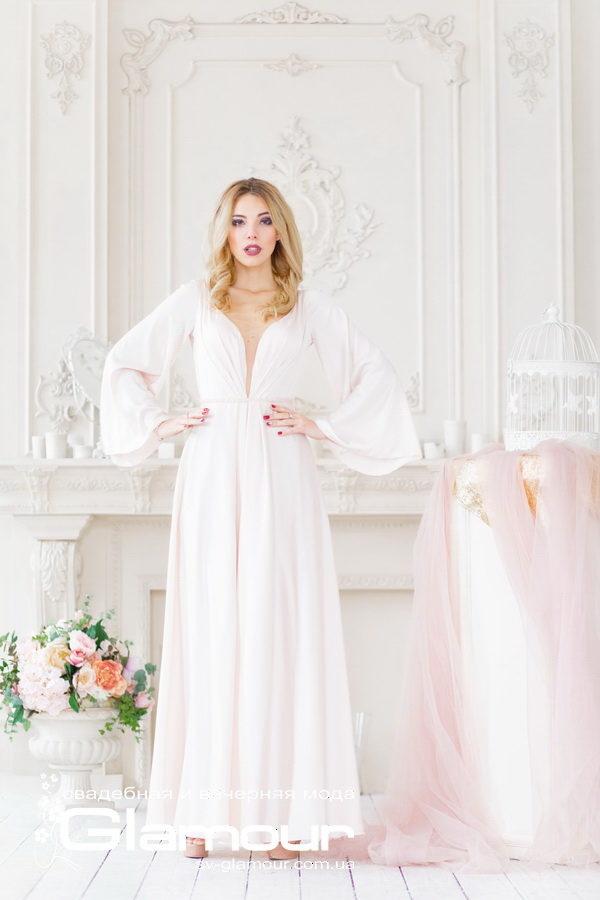 Шелковое свадебное платье цвета айвори