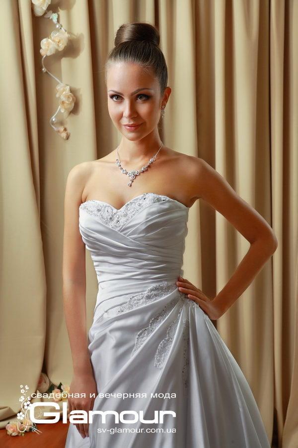 Классическое свадебное платье сужает талию. Скидки. Акция.