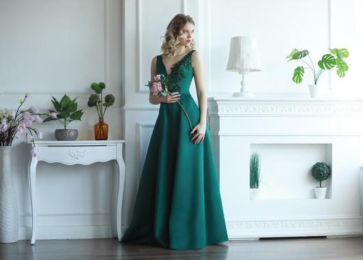 Вечернее платье А-силуэт